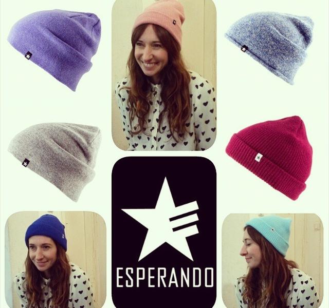 Neues Label in the house: @esperandohamburg  Hallöchen Lieblingsmütze! Tschüssi kalte Öhrchen! Hallo Herz ist voll verliebt in Esperando#halloherz #berlin #kastanienallee #esperando #herzchenindenaugen #omg #love #lieblingsmütze