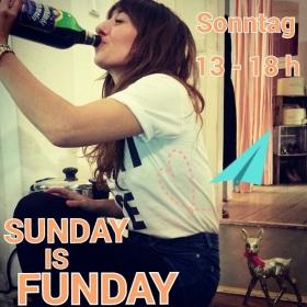 Ey Leeeeeuuuuudeeeee… MORGEN!!! Shoppen, Schokolade und Glühwein mit Sari – WAS GIBT'S SCHÖNERES?!?! BE THERE OR BE SQUARE#halloherz #berlin #kastanienallee #sundayisfunday #omg #love #addictedtoglühwein #yolo