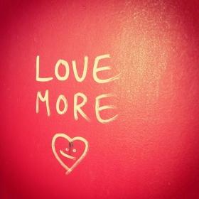 Cold and rainy this weekend? MAKE LVE!!! #halloherz #berlin #kastanienallee #love #lovemore #makelovenotwar #makelove #liebe #red #herzchen