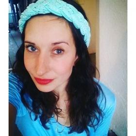 ENDLICH!  Zusammen mit dem Frühling kommt auch der Kopfzopf wieder nach Berlin! @milli_monka  Shirt: @numph_dk Kette: @klimbimbarcelona #halloherz #berlin #kastanienallee #ootd #kopfzopf #millimonka #munich #handmade #spring #love #shirt #nümph #necklace #klimbim #barcelona #gold #blue #redlips #liebe #herzchenindenaugen #omg