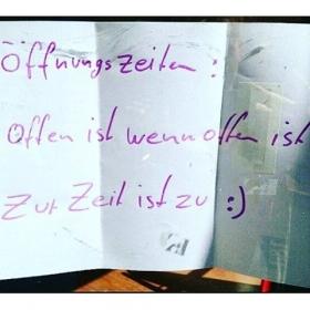 Neue Öffnungszeiten bei HALLO HERZ  @notesofberlin #halloherz #berlin #kastanienalle #notesofberlin #quote #qotd #isso #weareopen #shopping #summer #liebeundso #love #omg #yolo