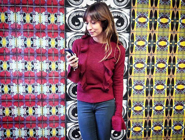 Voulez-vous Volants? Ja bitte!  @wearembym  #halloherz #berlin #kastanienalle #nokia3510 #mbym #knit #wool #volant #ootd #stockholm #sweden #jagälskardig #svenska #metro #underground #art #streetart #urban #urbanart #tiles #streetstyle #style #fashion #shopping #shop #love