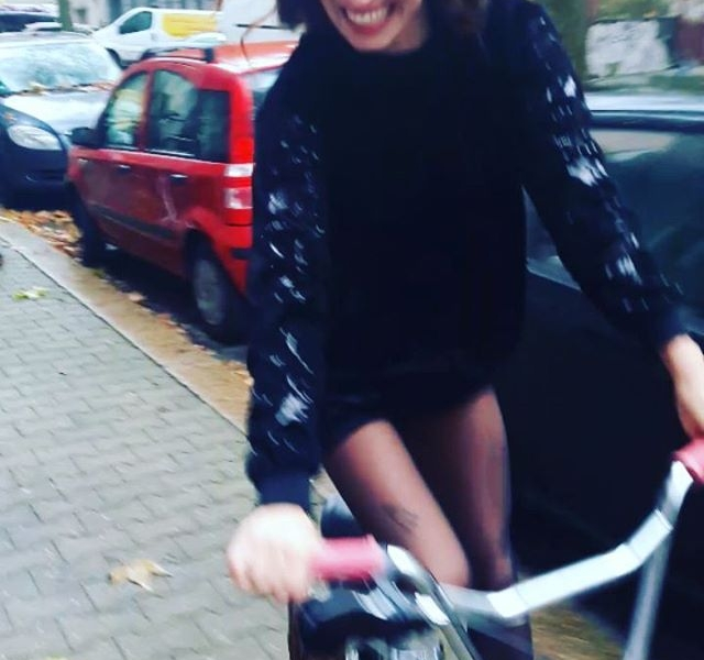 Hey Mama, ich geh raus mit meinen Freunden spielen. Bin pünktlich zum Abendbrot zu Hausi! #erwachsenwerdenwirmorgen ♀️#ootd @softrebels @appleofeden @bataillonbelette @nümph #halloherz #berlin #kastanienallee #softrebels #appleofeden #leoprint #animalprint #nümph #glitter #bataillonbelette #mongoose #mongoosebike #bmx #bike #kreuzberg #krzbrg #trickster #style #fashion #shop #love #videooftheday #goplayoutside