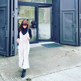 """""""Expect nothing and life will be velvet."""" HAPPY FRIDAYSamt-Jumpsuit von @official_minkpink Rollkragen-Pullover von @wearembym Schuhe von @drmartensofficial #halloherz #berlin #kastanienallee #minkpink #jumpsuit #velvet #pinkvelvet #drmartens #rollneck #mbym #redhairdontcare #redhair #showroom #agame #fashion #fashionlove #fashiongoals #fashiongirl #style #shopping #ootd #picoftheday #fridaymood #mood #love #happy #liebe"""