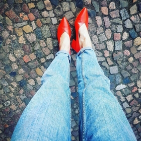 OMG @vagabondshoemakers I LOVE YOU  @globalfunk Jeans  #halloherz #berlin #kastanienallee #vagabond #shoes #leather #red #redshoes #shoeloveistruelove #pumps #globalfunk #jeans #girlpower #girlboss #style #fashion #shopping #girls #fashiongoals #love #liebe #picoftheday #ootd