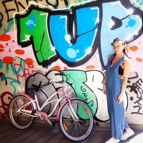 They see me rollin'… #theyhatin  #1up Jumpsuit von @official_minkpink 79,90 €  Bralet von @wearembym 34,95 €  #halloherz #berlin #kastanienallee #minkpink #jumpsuit #jeans #bike #cruise #cycling #theyseemerollin #girlpower #girlboss #style #fashion #shopping #girls #fashiongoals #love #liebe #graffiti #urban #urbanart #streetart #kreuzberg