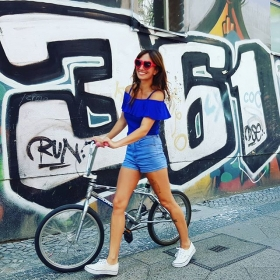 KRZBRG, I HEART YOU  #361 Top von @numph_dk  Shorts von @official_minkpink #halloherz #berlin #kastanienallee #nümph #minkpink #vans #myvans #mongoose #bmx #kreuzberg #graffiti #streetart #urban #urbanart #summer #girlpower #girlboss #style #fashion #shopping #girls #fashiongoals #love #liebe